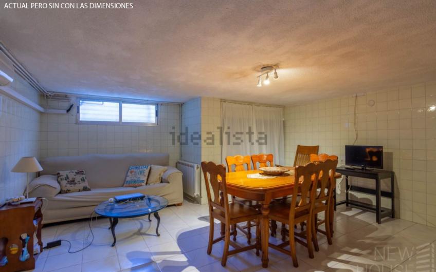 Te presentamos este acogedor, amplio y luminoso hogar en el Cabo de las Huertas. Situado en la urbanización Venecia II.